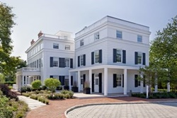 dog friendly hotel in the hamptons